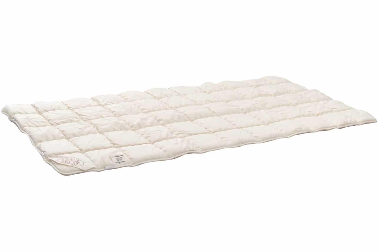 Auflage/Unterbett mit Schafschurwolle, Bezug aus Baumwoll-Molino und naturbelassenem Baumwoll-Trikot