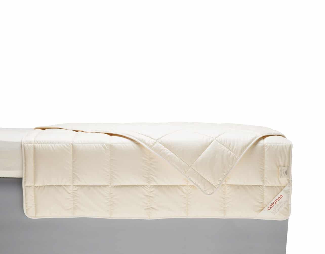 Bettdecke Bianca aus 100 % Biobaumwolle.
