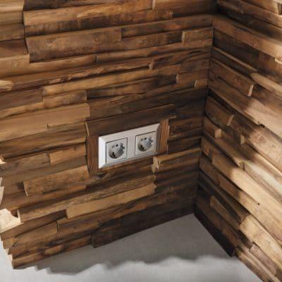 Wandverkleidung Nussbaum Holz Ecke.