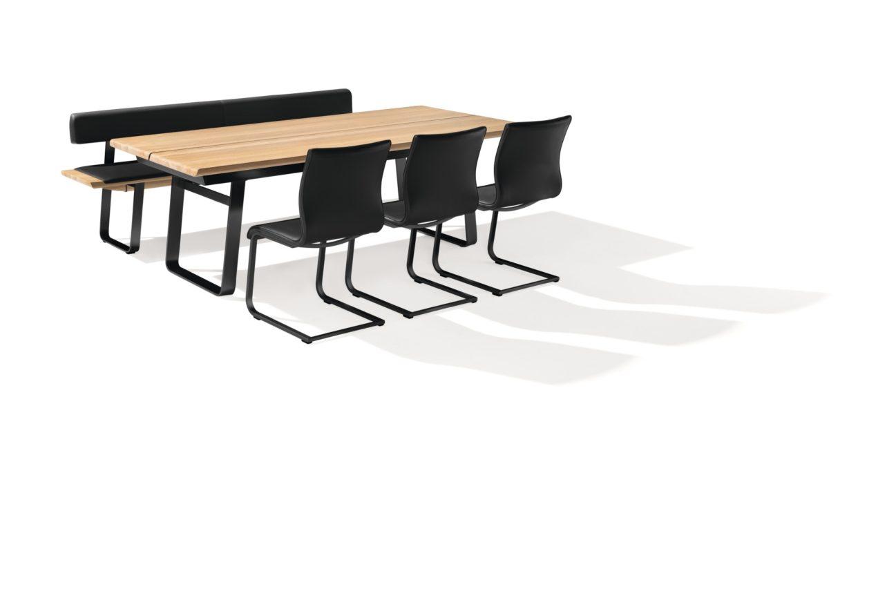 Fixtisch Nox von Team7 in Eiche weiß mit schwarz-mattem Metallgestellt